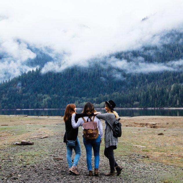 3 copines voyage lac