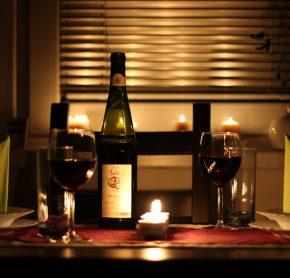 Organisation d'un dîner romantique en amoureux